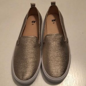 NEW H&M Gold Sparkle Women's Shoes SZ 6